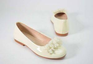 Zapato niña bailarina charol Yowas 23128 beig