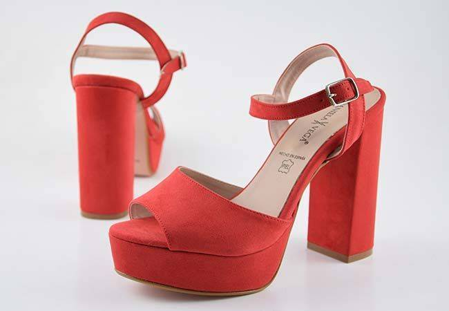Zapato fiesta tacón alto ancho Daniela Vega J1188 rojo