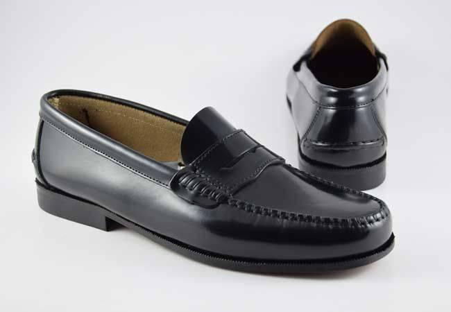 Zapato castellano negro antifaz hombre