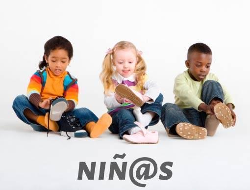Colección de zapatos de niños y niñas